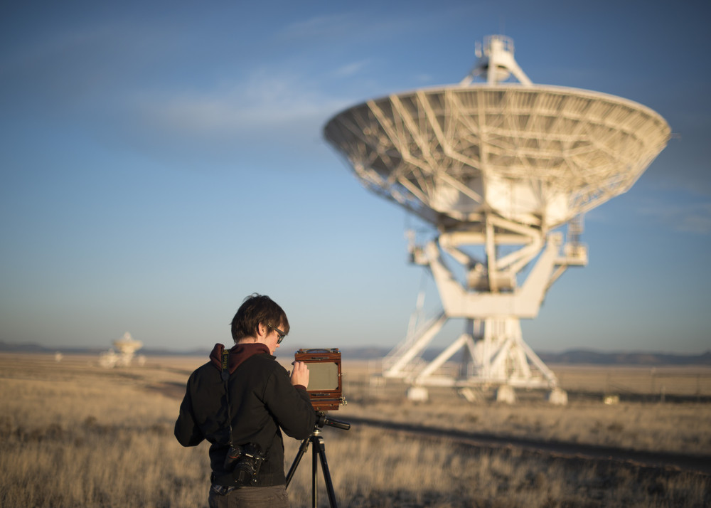Charles Witherspoon at the Very Large Array. Image by Nick Russell, courtesy of Light & Noise www.light-noise.com