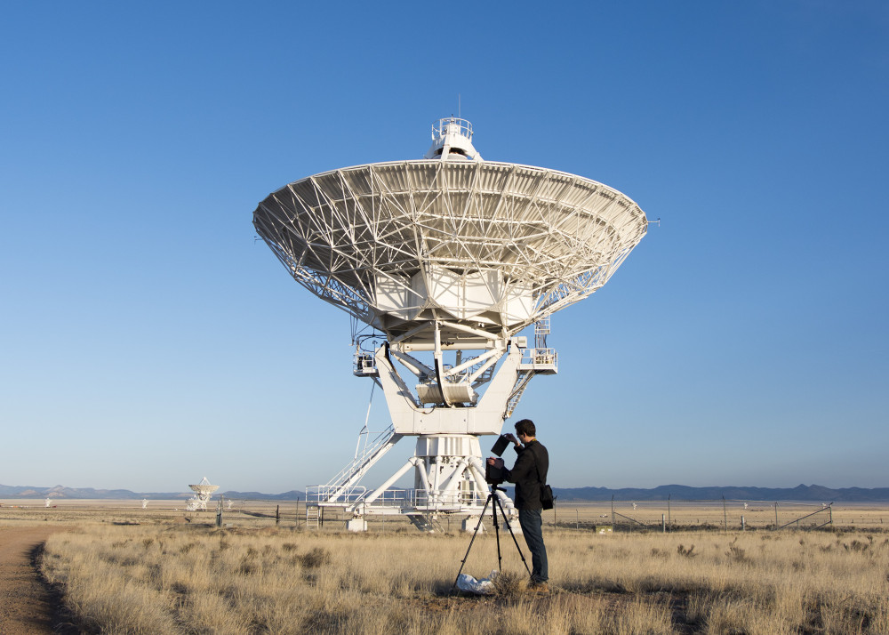 Nick Russell at the Very Large Array. Image by Charles Witherspoon, courtesy of Light & Noise www.light-noise.com