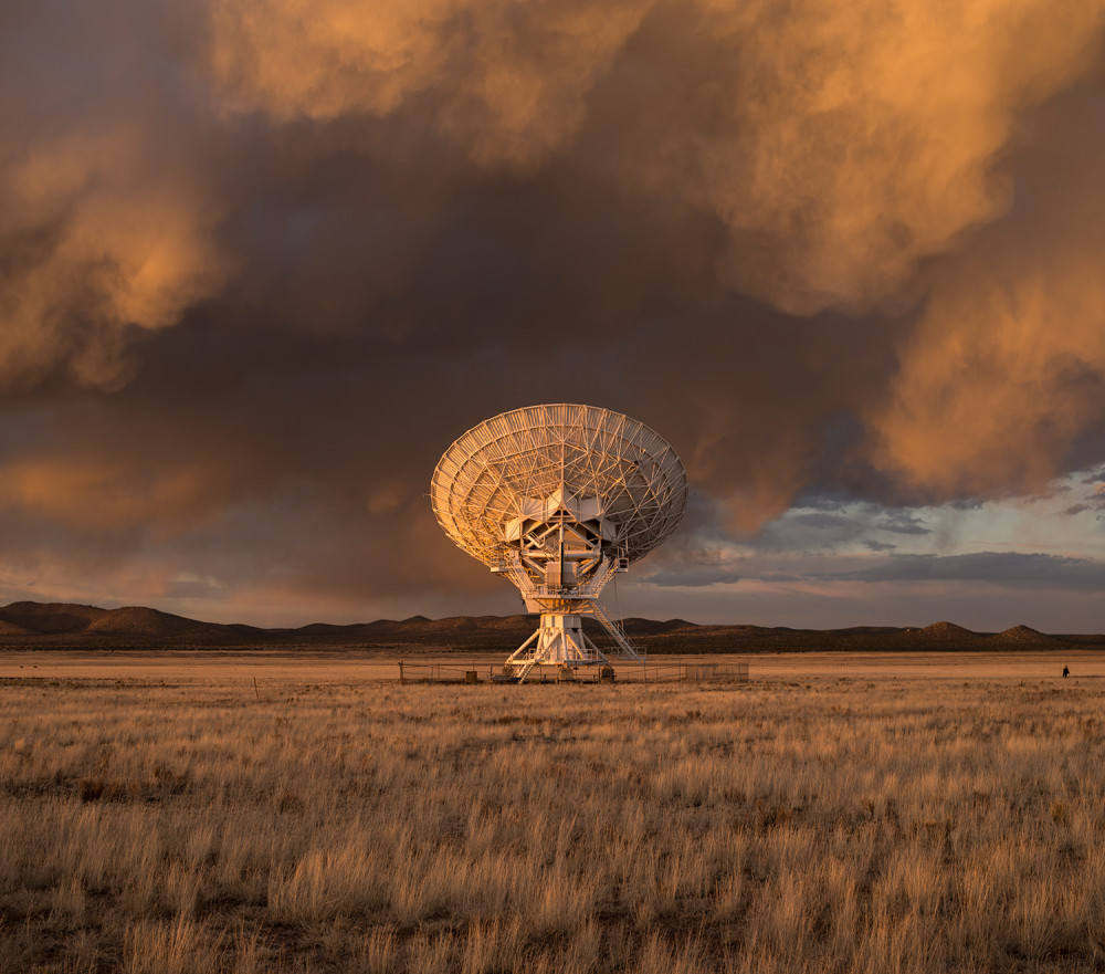 Very Large Array at sunset. Photo (c) Light & Noise, Inc. www.light-noise.com